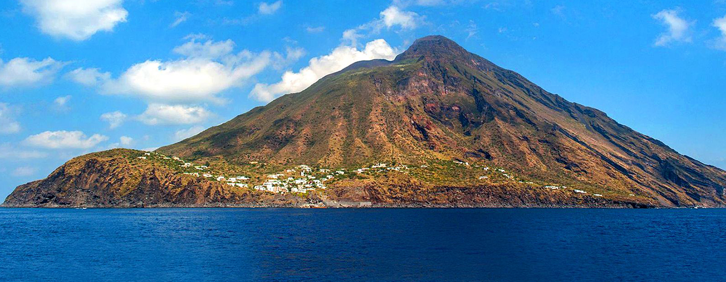 Stromboli Excursion: volcano excursions from Stromboli Island