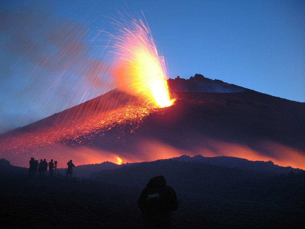 Excursion Etna: the tallest active volcano in Europe
